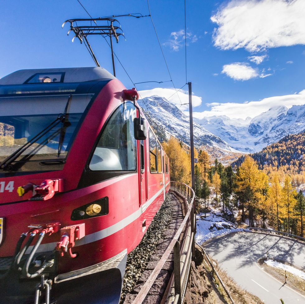 House Beautiful: These Virtual Train Rides Journey Through the World's Most Scenic Sites
