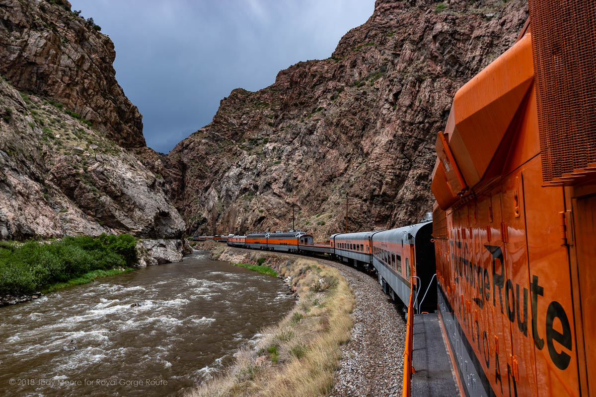 USA Today: Dinner Trains Delight Railfans, Foodies Alike